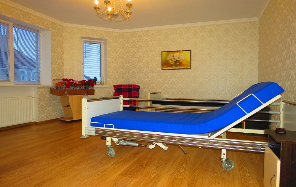 Дом престарелых в Киеве - пансионат Времена Года